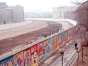 300px-Berlinermauer.jpg