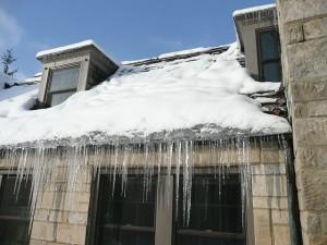 640px-Ice_dam_slate_roof
