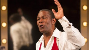 la-et-cm-theater-review-satchmo-at-the-waldorf-001