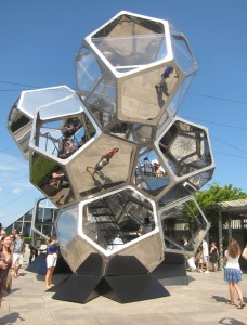 Cloud City, Tomás Saraceno, 2012, Metropolitan Museum of Art, NYC