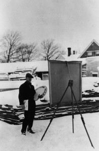 Dickinson painting outdoors in Provincetown, n.d. Courtesy Provincetown Art Associaion.