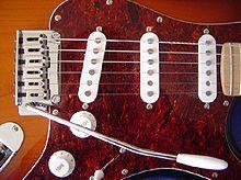 220px-Stratocaster_detail_DSC06937