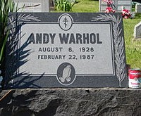 220px-Warhol's_grave