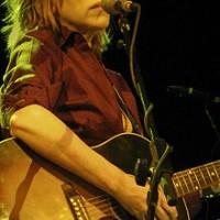 220px-Lucinda_Williams_&_guitar