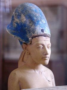 akhenaten_with_blue_crown