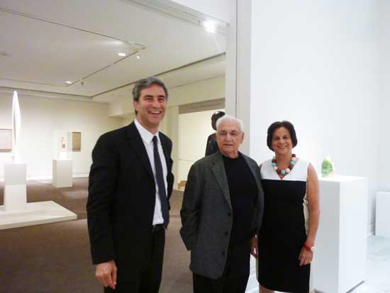 L to R: Michael Govan, director of Los Angeles County Museum of Art, architect Frank Gehry and LACMA senior curator Stephanie Barron at preview for the LACMA-organized Ken Price retrospective at the Metropolitan Museum Photo by Lee Rosenbaum