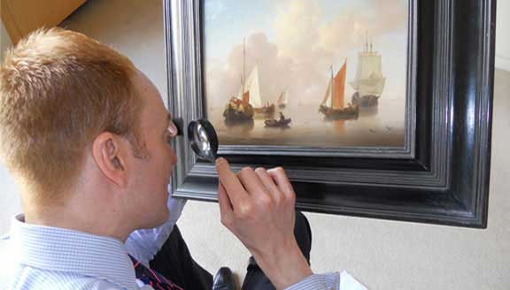A Christie's appraiser at work (not at Detroit Institute) Image from Christie's Appraisals webpage