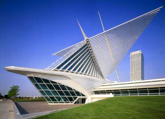 Milwaukee Art Museum's Calatrava-designed Quadracci Pavilion Photo by Jeff Millies