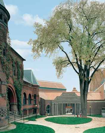 Hood Museum, Charles W. Moore and Centerbrook Architects Photo by Timothy Hursley