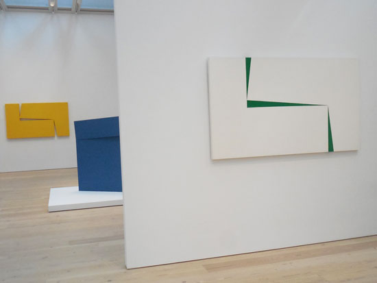 "R: ""Blanco y Verde, 1967 L: ""Amarillo 'Dos,'"" 1971 Photo by Lee Rosenbaum"