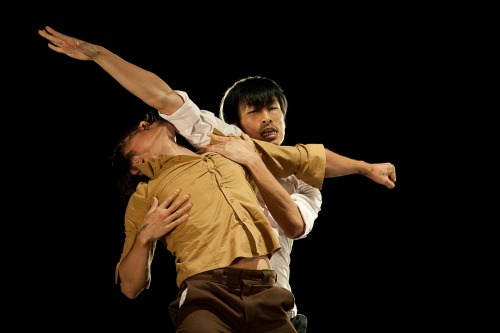 Jinyuk Ryu (L.) and Insoo Lee in Lee's Modern Feelings Photo: Christopher Duggan