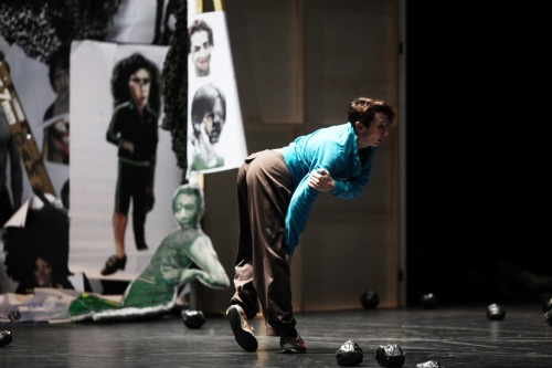 Esther Balfe in I don't believe in outer space. Photo: Julieta Cervantes