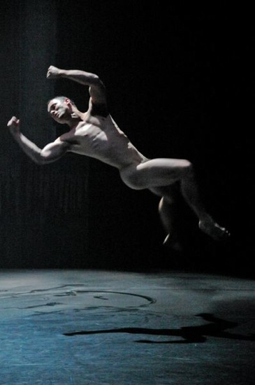 The final throes. Paul White in The Oracle. Photo: Régis Lansac