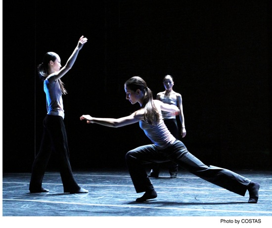 Xiaochuan Xie (L), Mariya Dashkina Maddux (foreground), and Ying Xin in Luca Veggetti's The Grammar of Dreams. Photo: Costas