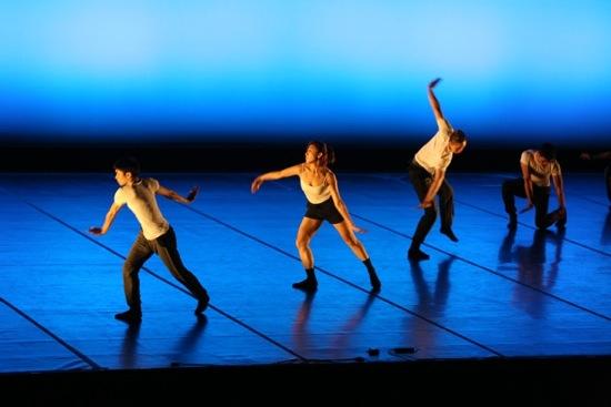 TNUA dancers in Chou Chen-yieh's Chapter. Photo: Gregory Yamamoto