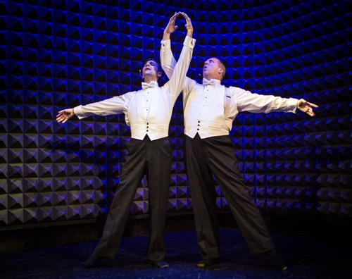 Jeffrey Kazin (L) and David Parker sing their hearts out in Head Over Heels. Photo: Yi-Chun Wu