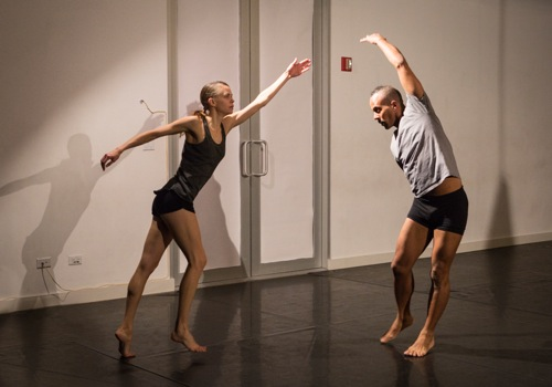 Joanna Kotze and Marc Mann battle across distances in Kimberly Bartosik's You are my heat and glare. Photo: Yi-Chun Wu