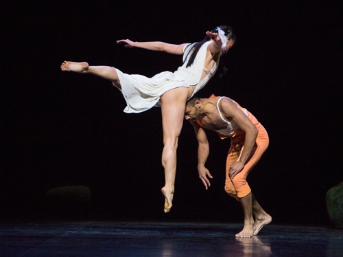 Snow White (Nagisa Shirai) and her Prince (Sergio Diaz) at play. Photo: Yi-Chun Wu