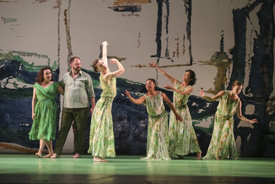 Yulia Van Doren (Galatea) and Thomas Cooley (Acis) with Mark Morris dancers (L to R) Laurel Lynch, Michelle Yard, Maile Okamura, Rita Donahue in Handel's Acis and Galatea. Photo: Richard Termine/Lincoln Center