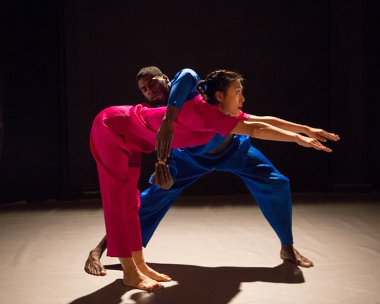Jin Jun Song-Begin and Dwayne Brown in Seán Curran's Duet Event. Photo: Yi-Chun Wu