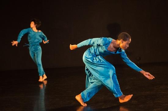 Neil Greenberg's This. (L to R): Mina Nishimura and Omagbitse Omagbemi. Photo: Yi-Chun Wu