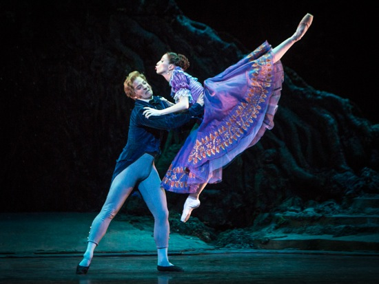 Demetrius (Johannes Stepanek) and Helena (Itziar Mendizabal) at odds. Photo: Yi-Chun Wu