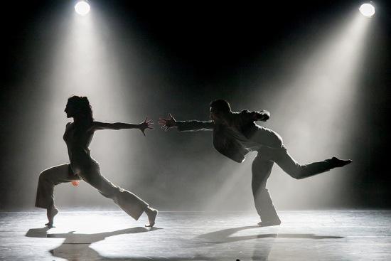 Ida Saki and Jon Bond in Crystal Pite's Ten Duets on a Theme of Rescue. Photo: Yi-Chun Wu