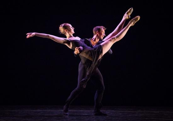 Kaitlyn Gilliland and Matthew Dibble in Twyla Tharp's Beethoven Opus 130. Photo: Yi-Chun Wu