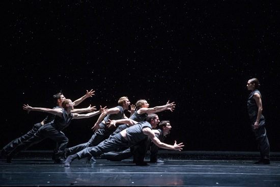 Crystal Pite's Solo Echo. Jacqueline Burnett, far right with, clockwise from left: Michael Gross, Florian Lochner, Kellie Epperheimer, Andrew Murdock, Jesse Bechard (foreground), and Emilie Leriche. Photo:Todd Rosenberg.
