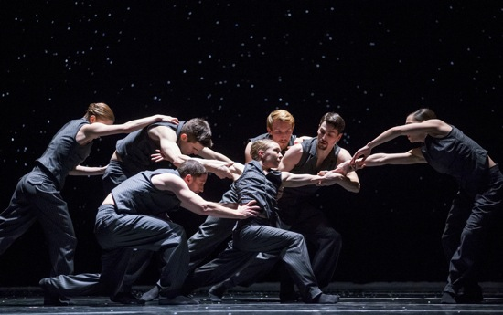 "Hubbard Street dancers in Solo Echo"" by Crystal Pite. Clockwise from far left: Emilie Leriche, Michael Gross, Florian Lochner, Andrew Murdock, Jacqueline Burnett, Kellie Epperheimer (foreground), and Jesse Bechard. Photo: Todd Rosenberg"