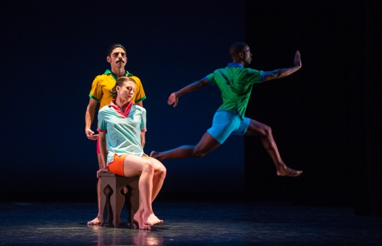 Mark Morris's Pure dance Items. Stacy Martorana and Domingo Estrada, Jr., with Brandon Randolph leaping. Photo: Stephanie Berger