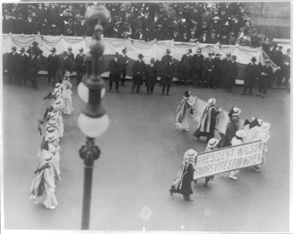 751px-Suffragettes_parading_with_banner.png
