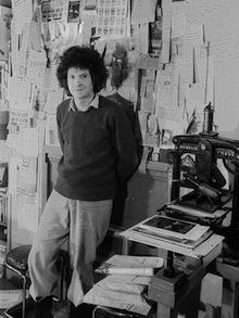 Heathcote Williams at the Open Head office, 1980. [Photo: Richard Adams]