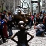 """Critic: """"Charging Bull"""" Sculptor Is Right About """"Fearless Girl"""" Sculpture – It Should Go"""