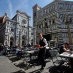 Florence Declares War On Tourists Eating Sandwiches