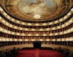 La Scala Regulars Are Appalled By What Audiences Are Wearing This Summer