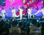 Thousands Of Young People Gather In South Korea To Listen To Music For Peace