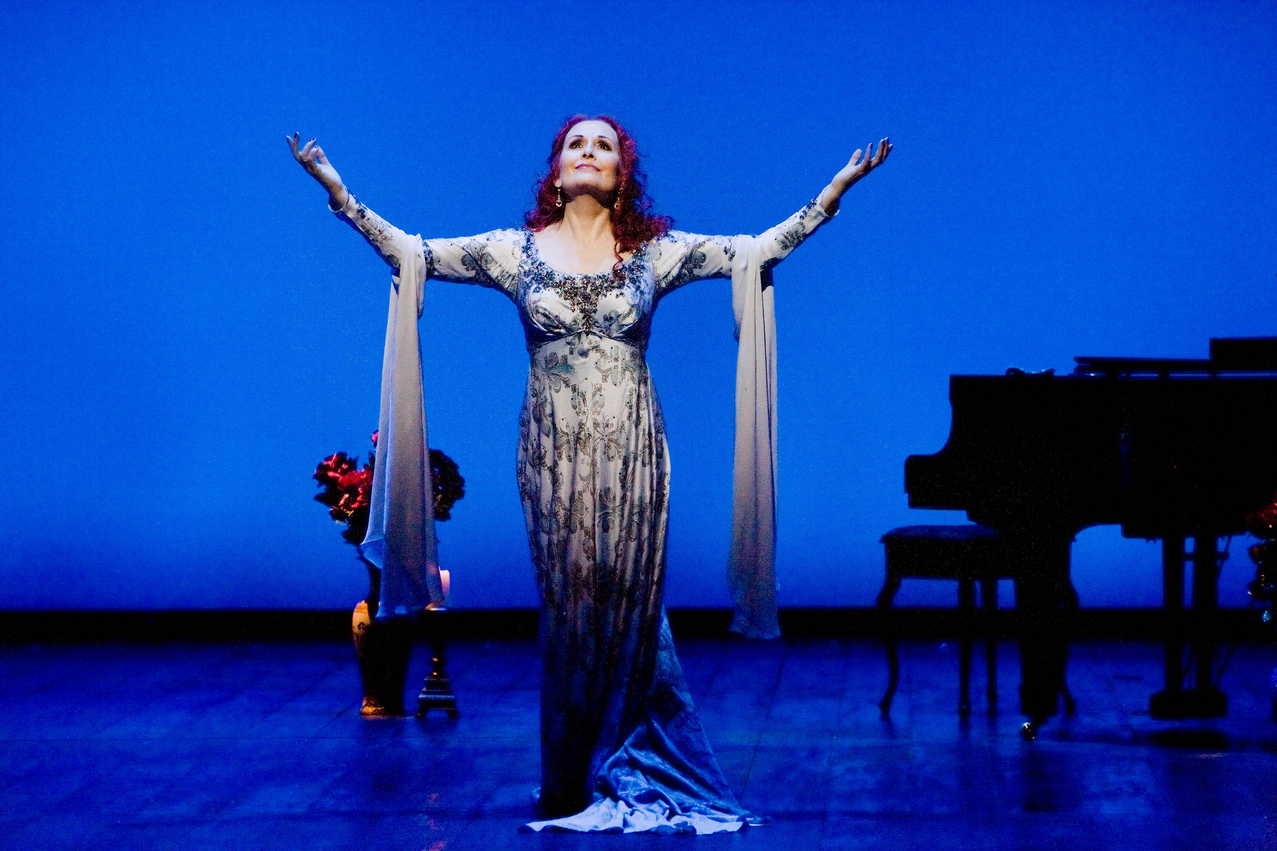 "Janis Kelly as  Regine Saint Laurent in ""Prima Donna"""