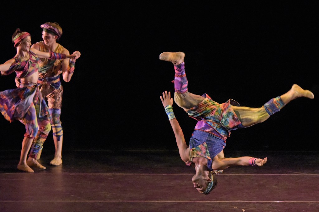 "Eva Trapp, Nicholas Coppula and Reed Tankersley in the west coast premiere of Twyla Tharp's ""Yowzie."""