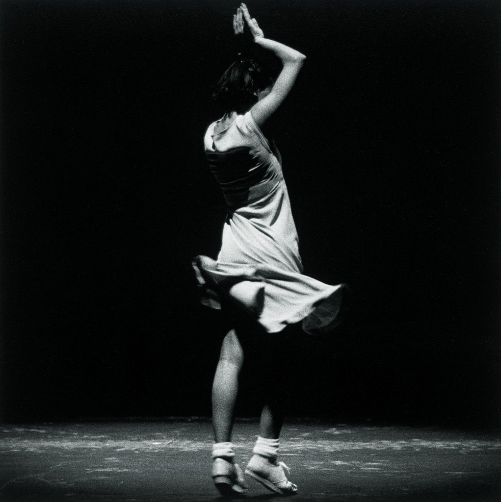 "Anne Teresa De Keersmaeker/Rosas in ""Fase, Four Movements to the Music of Steve Reich."" Photo: Herman Sorgeloos"