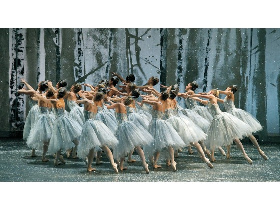 "ABT snowflakes from Ratmansky's ""The Nutcracker."" Photo: Gene Schiavone"