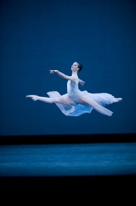 Lauren Cuthbertson in Serenade Photo: Johan Persson/ROH