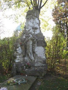 JohannStrauss's-tomb