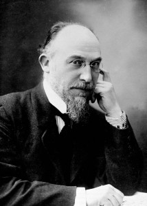 Satie photo