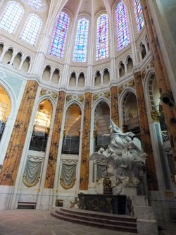 Chartres-cathedral-restorations_jpg_250x600_q85