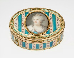 10. Oval snuffbox with miniature of Catherine the Great